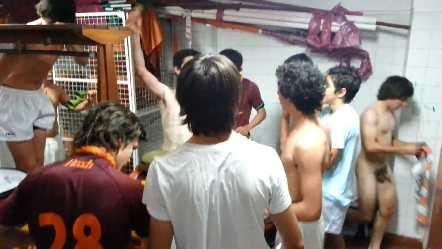 jugadores de rugby argentinos desnudos en los vestuarios